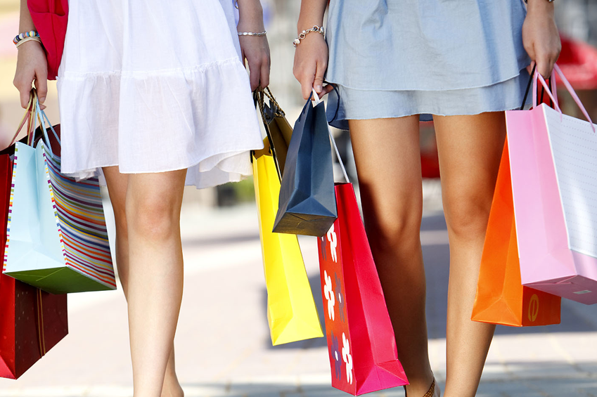 Women shopping using CFXWorks Credt Card and Gift Card Payment Solutions